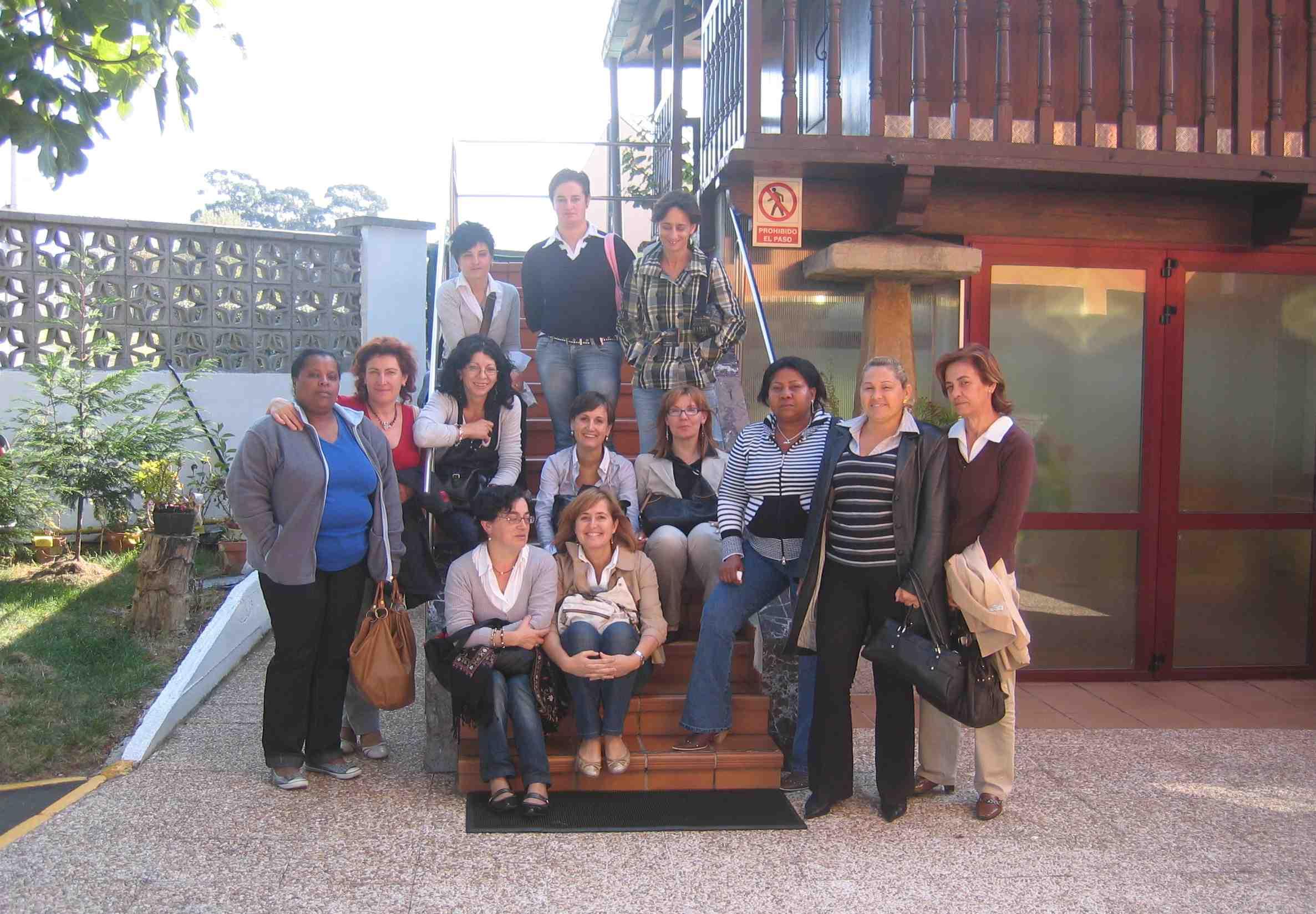 Desde el año 2006 Residencia Covadonga colabora con el Ayuntamiento de Nava en las prácticas de los cusos FIP para mostrar a sus participantes el mundo residencial. Agradecer al Ayuntamiento de Nava su interés por el sector.